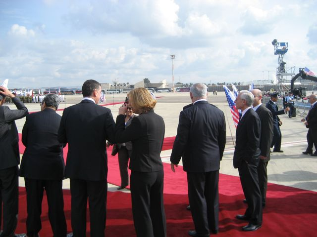 Livni and Netanyahu Awaiting Bush in Israel